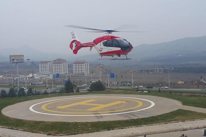 Solunum yetmezliği bulunan bebek ambulans helikopterle sevk edildi