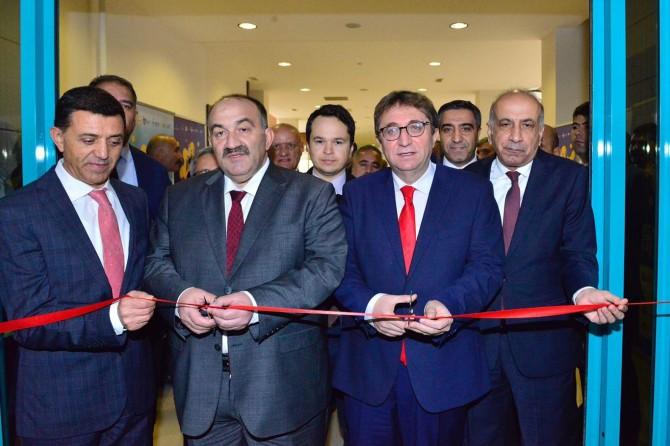 """Diyarbakır'da """"6'ncı İstihdam, Kariyer ve Girişimcilik Fuarı"""" başladı"""