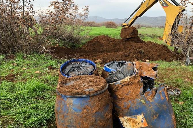 Diyarbakır Lice'de bahçeye gömülü 100 kilogram esrar bulundu