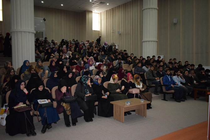"""""""Örnek Bir Öğrenci Zeyd Bin Sabit"""" konulu konferans düzenlendi"""