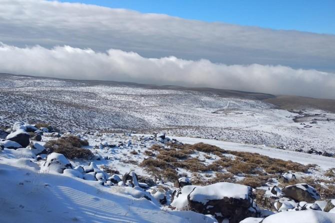 Siverek-Diyarbakır Karayolu'nda kar etkili oldu