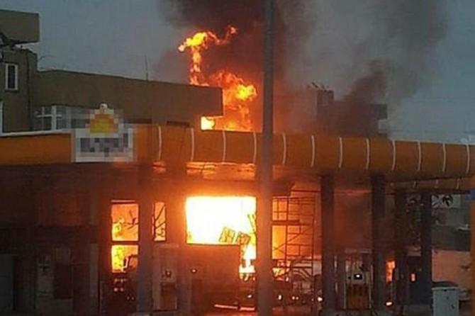 Bozova'da akaryakıt istasyonunda yangın