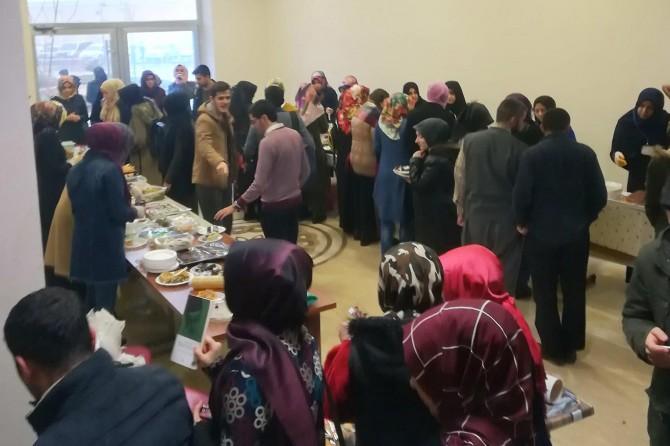 Gaziantep Üniversitesi İlahiyat Fakültesi öğrencileri Yemen'deki drama kayıtsız kalmadı