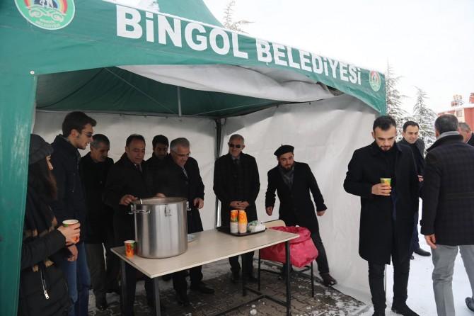 Bingöl'de üniversite öğrencilerine çorba ikram edildi