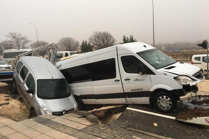Gaziantep'te yol çöktü: 10 yaralı