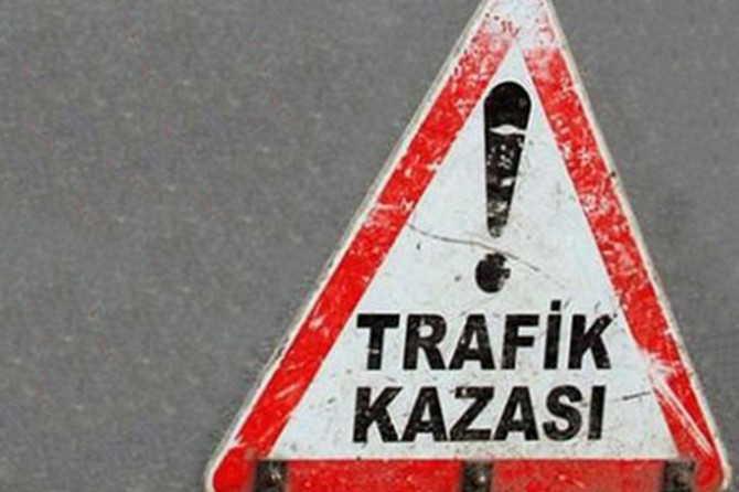 Diyarbakır Silvan'da kardeşlerin kullandığı araçlar çarpıştı: 1 ölü 10 yaralı