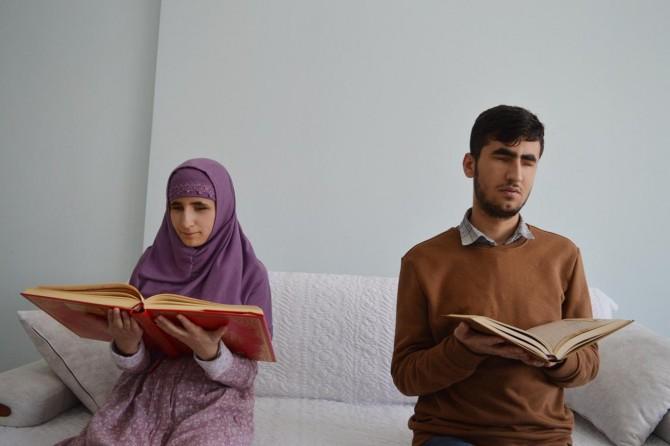 Bitlis Tatvan'da görme engelli kardeşlerin hafızlık aşkı