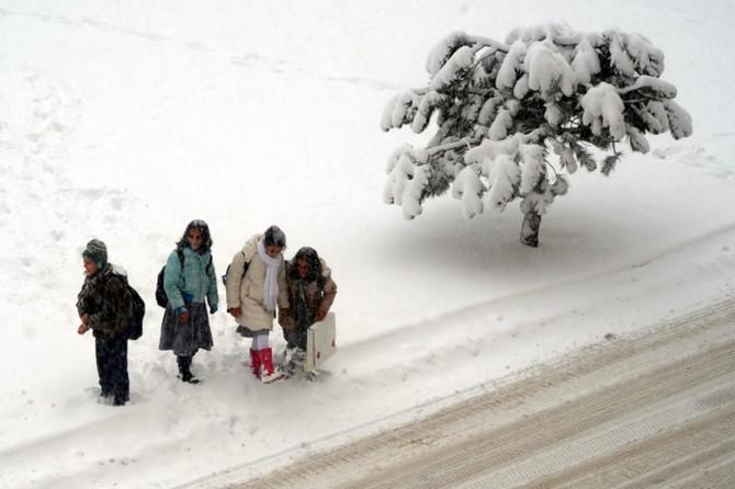 Birçok il ve ilçede okullar tatil edildi