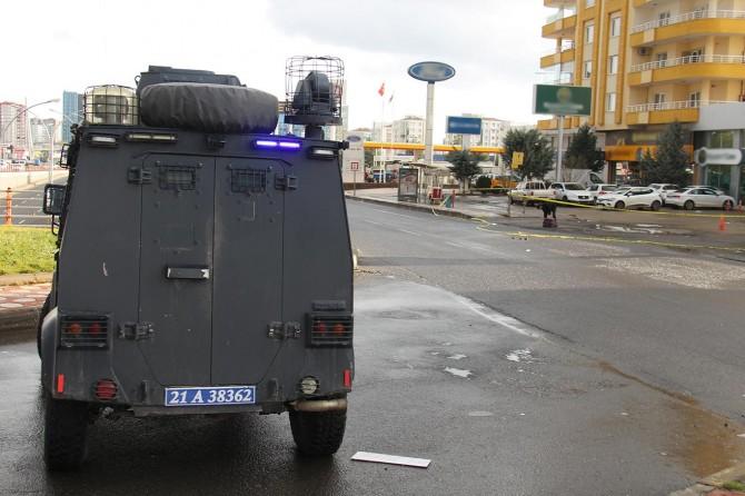 Diyarbakır'da durakta unutulan valiz paniğe neden oldu