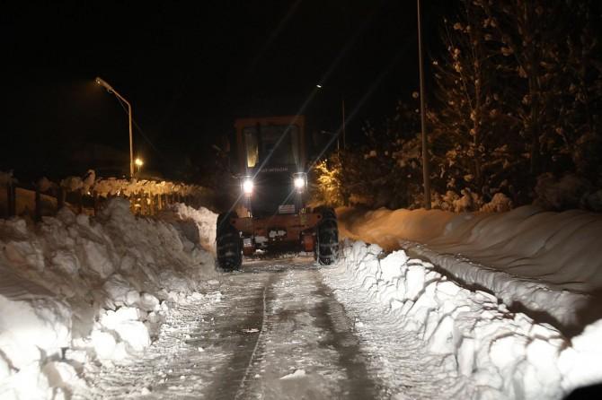 Belediye ekipleri 900 kilometre yolağı temizlendi