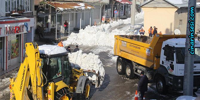 Kulp Belediyesinin karla mücadele çalışması