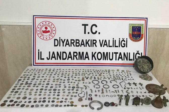 Diyarbakır Bismil'de tarihi eserler ele geçirildi: 3 gözaltı