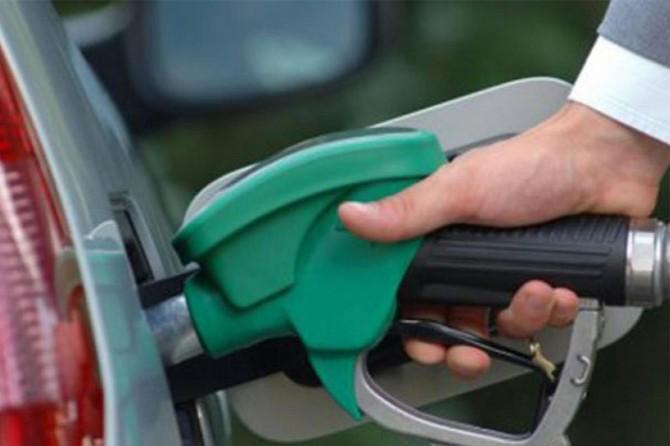 Benzin ve motorine bir haftada ikinci zam