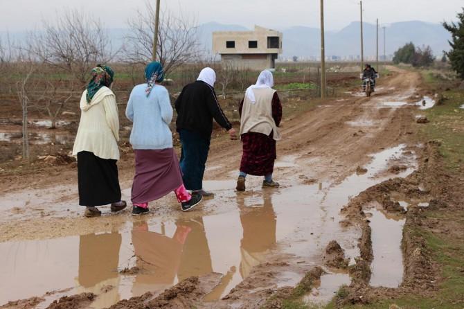 Kızıltepe'de 1 kilometrelik bozuk yolun yaşattığı büyük mağduriyetler