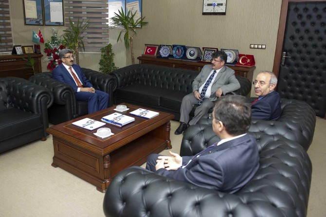 Vali Mehmet Emin Bilmez'den Van Yüzüncü Yıl Üniversitesine ziyaret