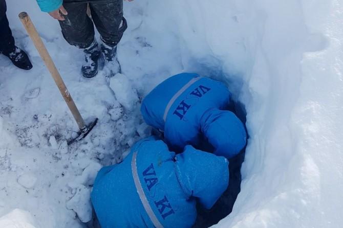 Çaldıran'da -20 derecede su arızası onarıldı
