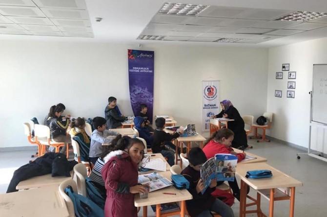 Suriyeliler kendilerini ifade edebilmek için Türkçe öğreniyor