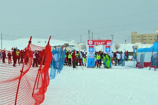 Kayaklı Koşu Eleme Yarışması başladı
