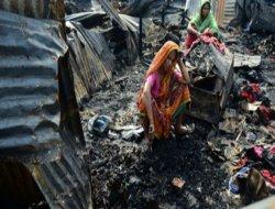 Bangladeş'te yangın: 11 ölü
