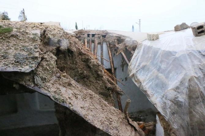 Aşırı yağışlar nedeniyle bazı evler yıkıldı