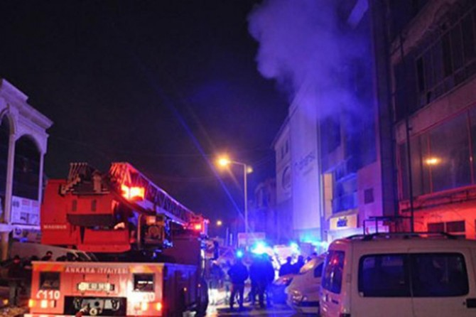 Ankara'da mobilyacılar sitesinde yangın: 5 ölü
