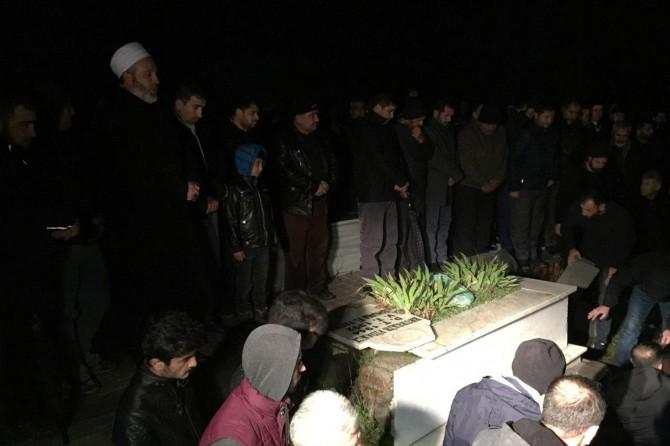 4 şehidinin babası Susa Mezarlığında defnedildi