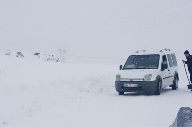Karlıova-Erzurum yolu trafiğe kapandı