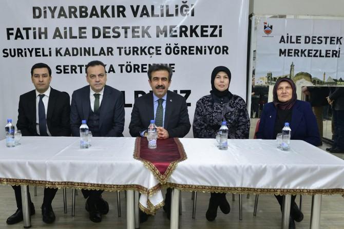 Diyarbakır'da Suriyeli kadınlara sertifika verildi