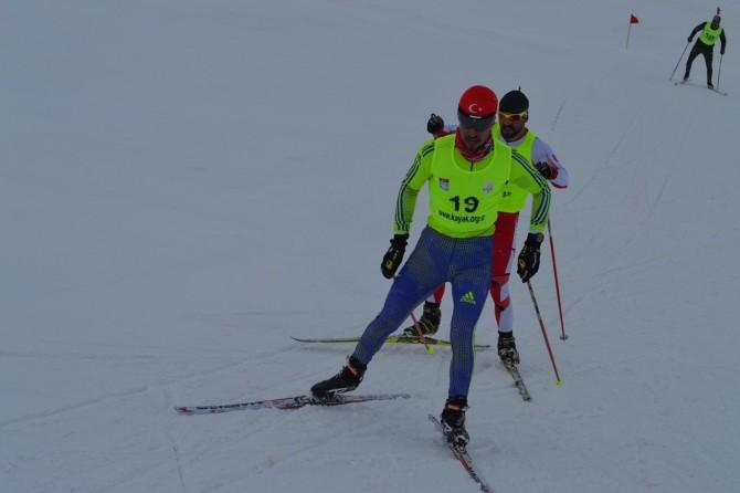 Bitlis'te -10 derecede yapılan kayaklı koşu yarışması sona erdi