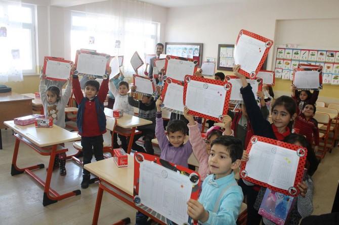 Muş'ta 115 bin 768 öğrenci karne aldı