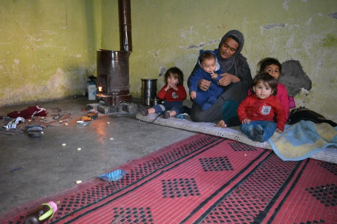 Batman'da yaşam mücadelesi veren Suriyeli ailenin dramı yürek burktu