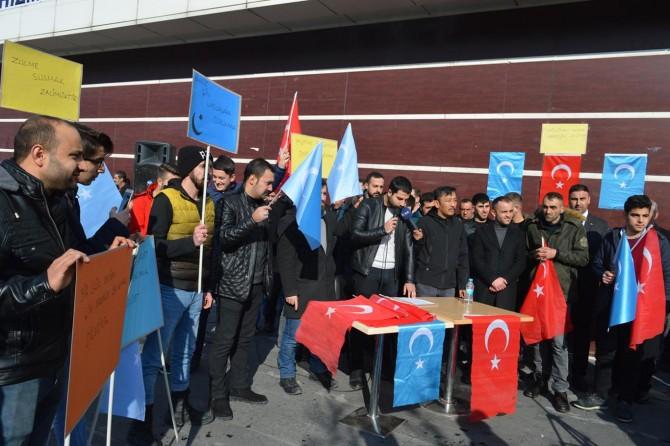 Doğu Türkistan'daki Müslümanlara sahip çıkın
