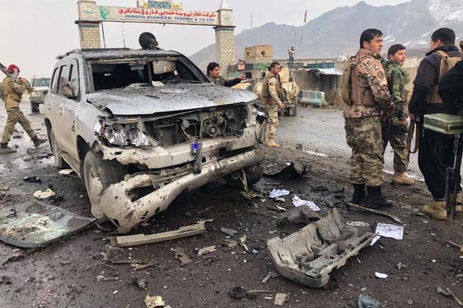 Li Efxanistanê êrîş li konvoya walî hat kirin: 8 mirî