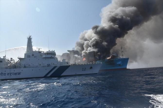 Kerç Boğazı'ndaki gemi yangınlarında 10 kişi hayatını kaybetti