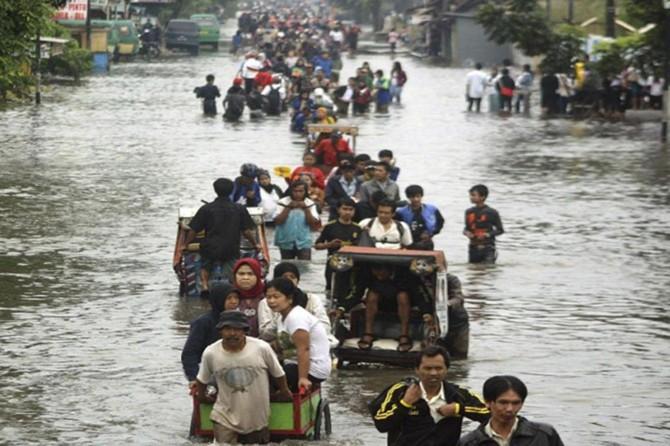 Endonezya'da sel ve heyelan: 28 ölü