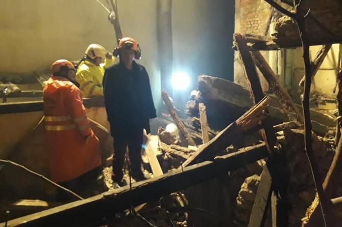 Konak'ta çöken binanın enkazı altında kalan kişinin cesedine ulaşıldı