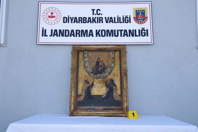Bağlar'da Roma dönemine ait tablolar ele geçirildi: 5 gözaltı