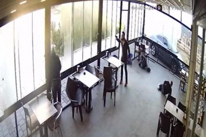 Buca'da önce taciz etti sonra silahla saldırdı