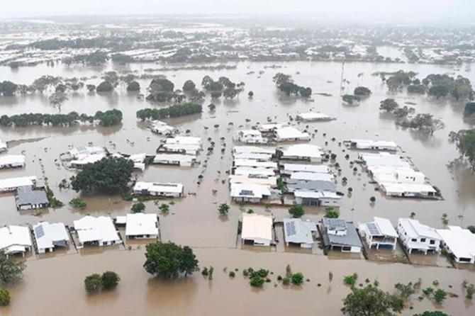 Sel nedeniyle yüzlerce ev sular altında kaldı
