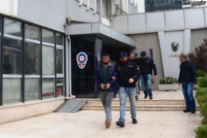 İzmir'de uyuşturucu operasyonu: 14 şüpheli yakalandı
