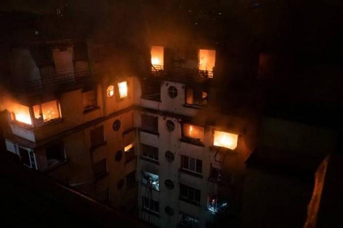 Fransa'da yangın: 8 ölü
