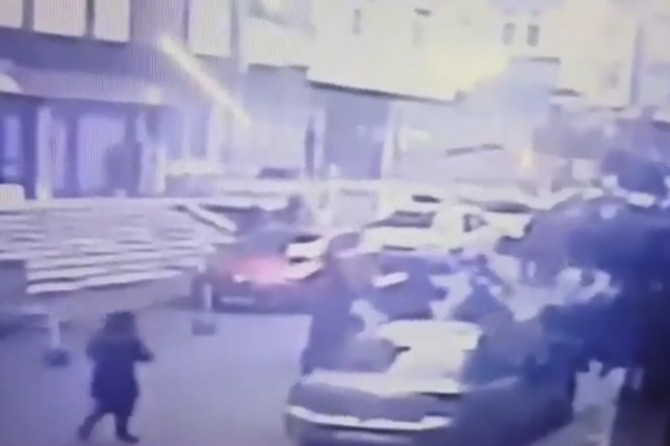 CCTV records moments of building collapse in Istanbul