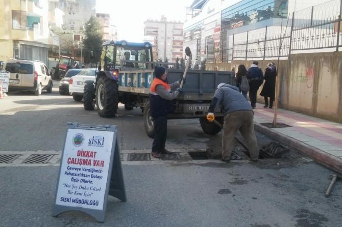 Siirt'te rögarlar ve kanalizasyon hatları temizleniyor