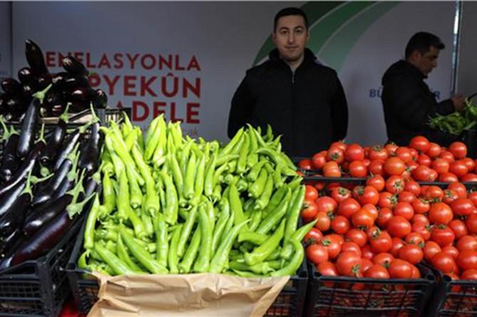 """İstanbul'da """"üreticiden tüketiciye doğrudan sebze"""" satışları başladı"""