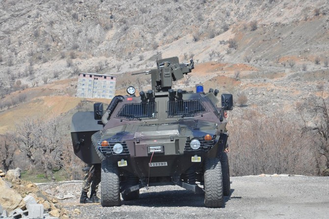 PKK'nin üst düzey yöneticisine ait telsiz ele geçirildi
