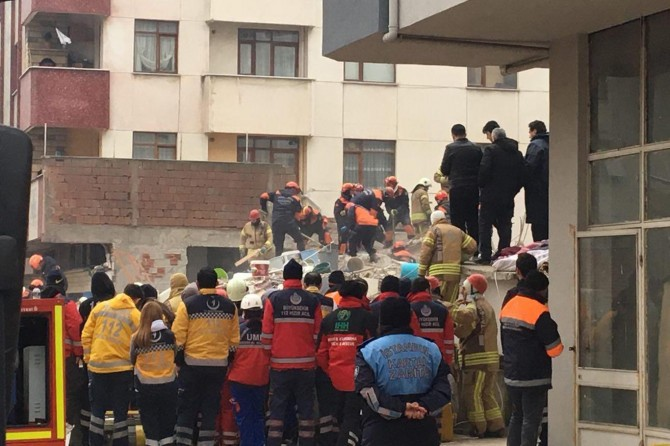 Kartal'da çöken binaya ilişkin 3 gözaltı