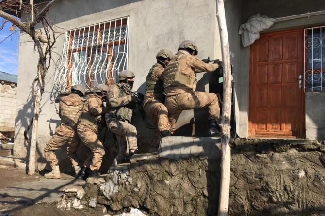 Van merkezli 8 ilde PKK operasyonu: 16 gözaltı