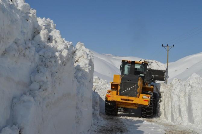 Bitlis'te 193 köy yolu ulaşıma kapandı