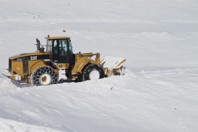 Muş'ta 205 köy yolu ulaşıma kapandı