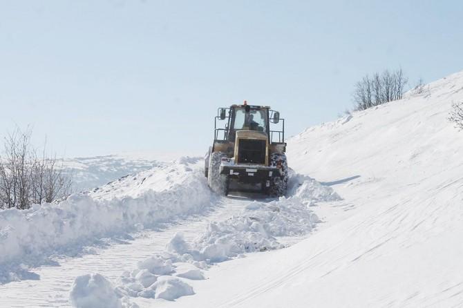 Doğu'da 600'den fazla köy yolu ulaşıma kapandı